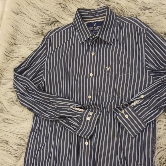 American Eagle Outfitters Other - American Eage Navy&Blue Vertical Stripe Button Up
